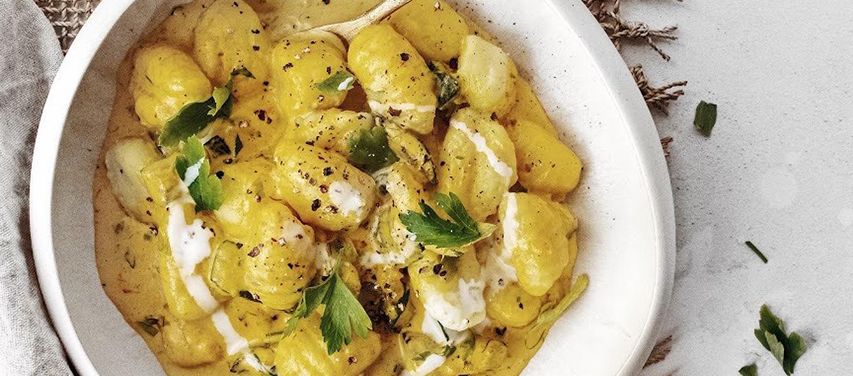 Gnocchi in saffraanroomsaus